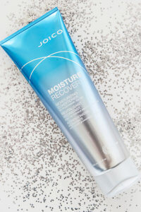 Moisture Recovery Conditioner Bottle