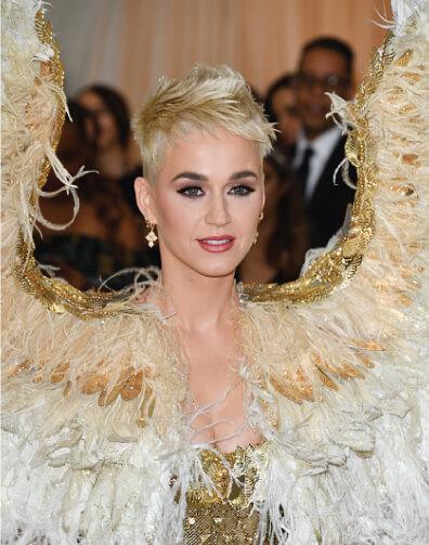 Katy Perry short blonde pixie cut