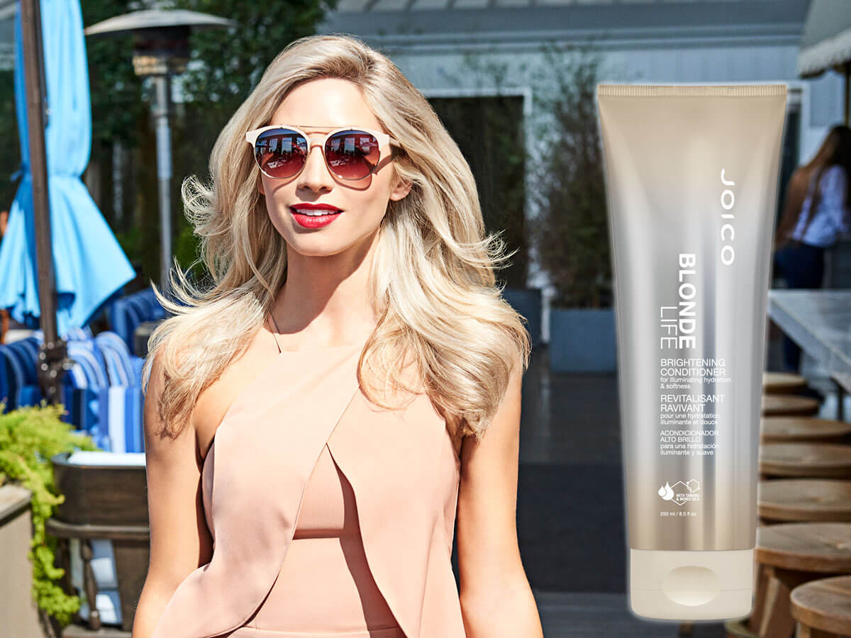 Blonde Life Conditioner model and product