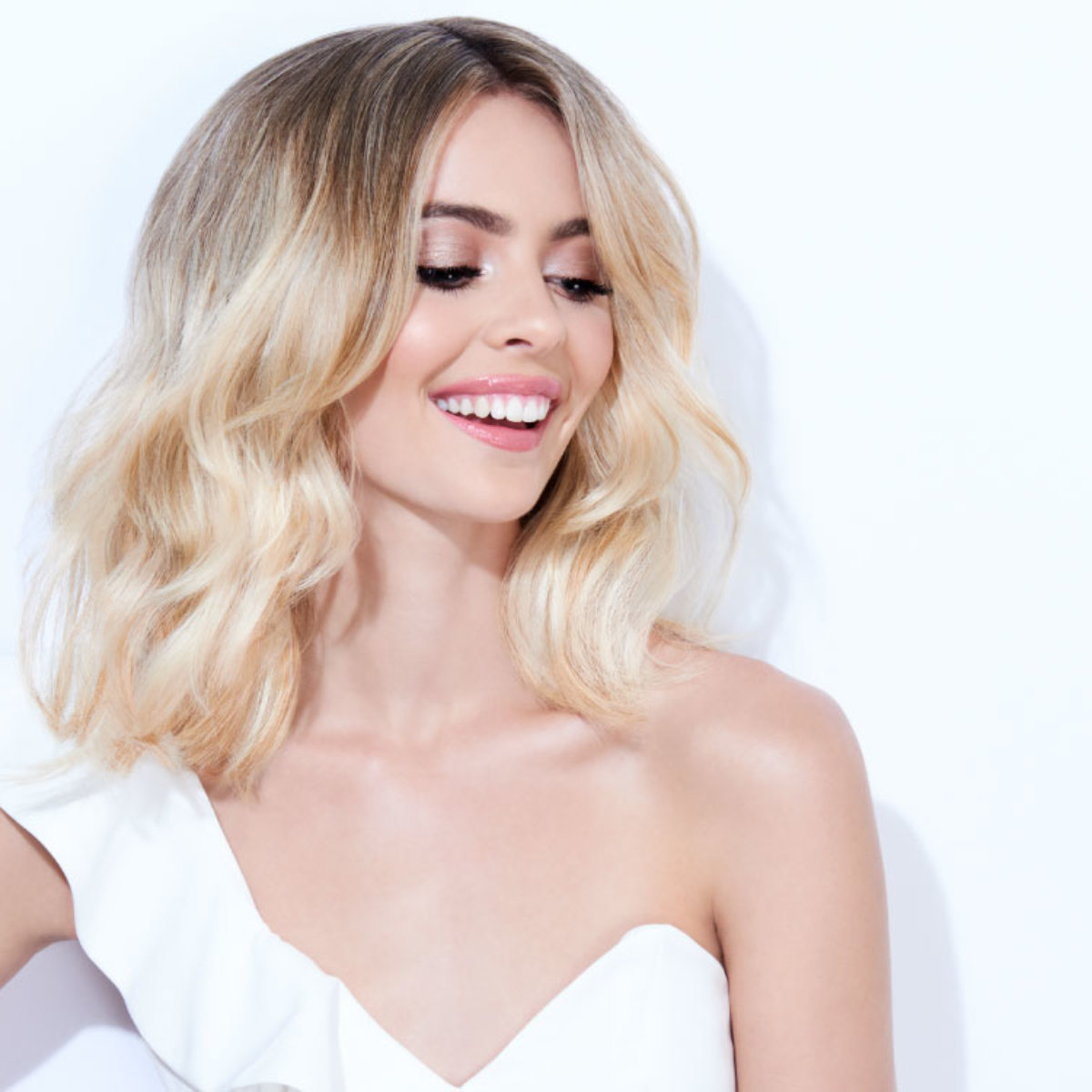 Flash blonde hair color technique model after