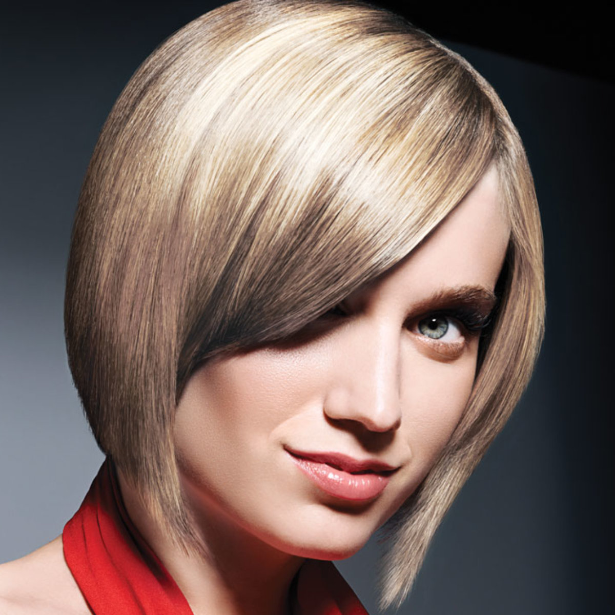 Sultry blonde hair color technique model after