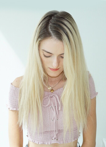Olivia Smalley Blonde Life model before