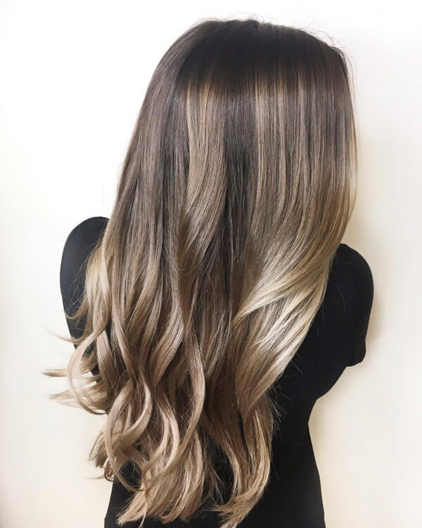 Brunette hair color with blonde lowlights