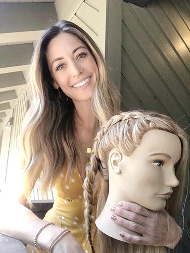 Mannequin head with braids